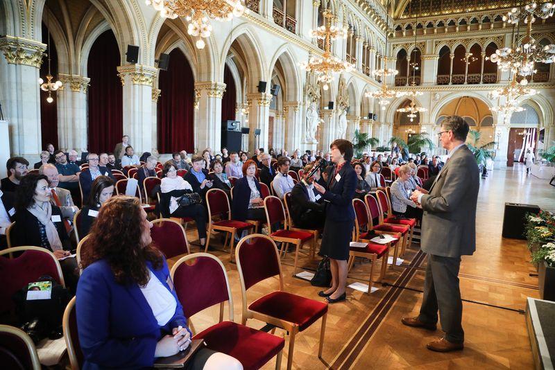 UNECE-Konferenz_-_oeffentl._Symposium_im_Rathaus__114_.jpg
