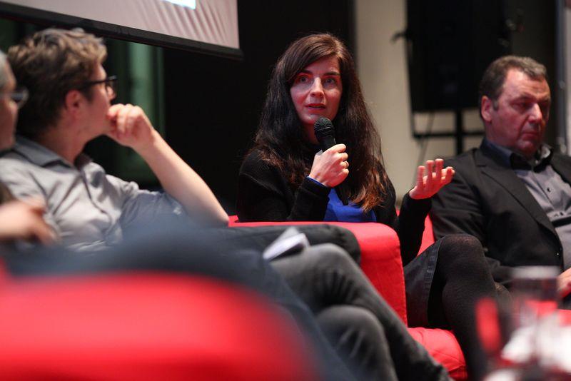 Julia Giardi-Hoog (Smaret Together, MA 25): IBA-Talk Bestandsentwicklung und Stadterneuerung in der VHS Simmering