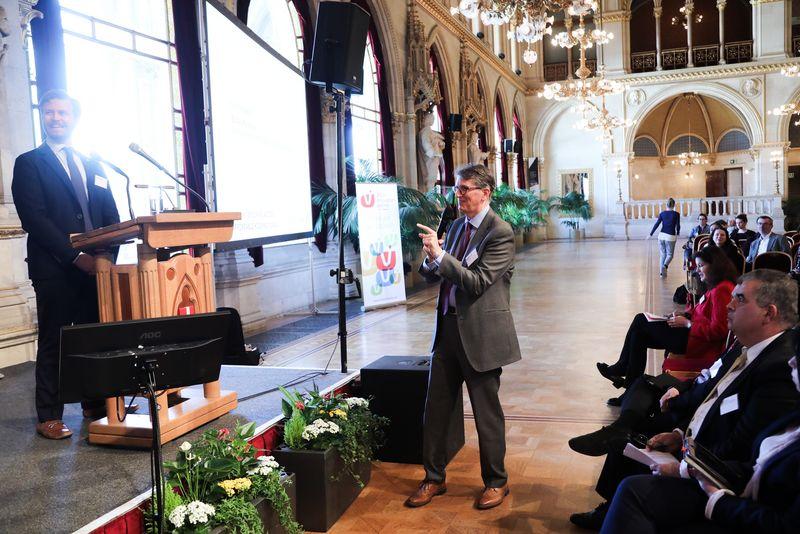 UNECE-Konferenz_-_oeffentl._Symposium_im_Rathaus__166_.jpg