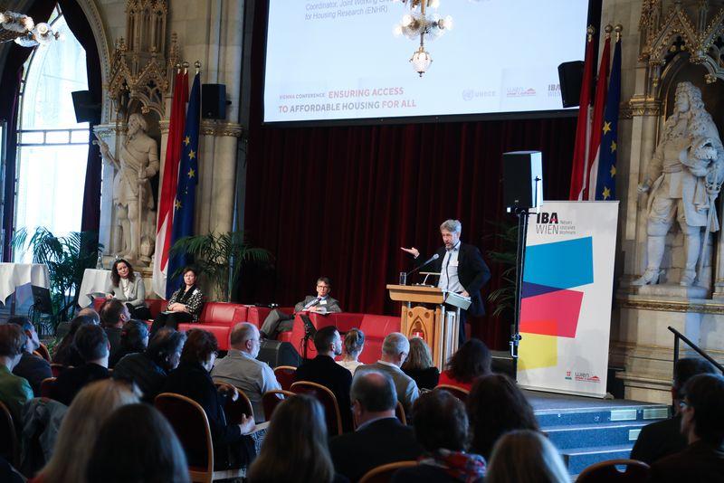 UNECE-Konferenz_-_oeffentl._Symposium_im_Rathaus__88_.jpg