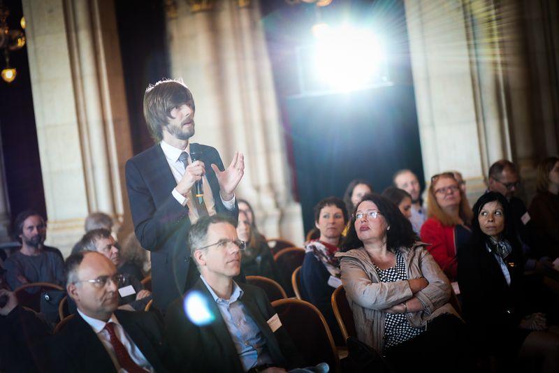 UNECE-Konferenz_-_oeffentl._Symposium_im_Rathaus__96_.jpg