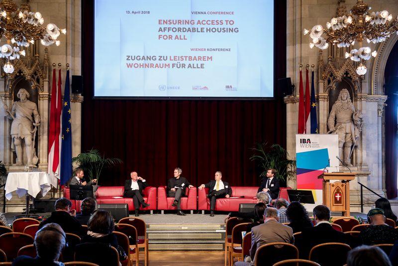UNECE-Konferenz_-_oeffentl._Symposium_im_Rathaus__189_.jpg