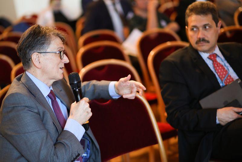 UNECE-Konferenz_-_oeffentl._Symposium_im_Rathaus__203_.jpg
