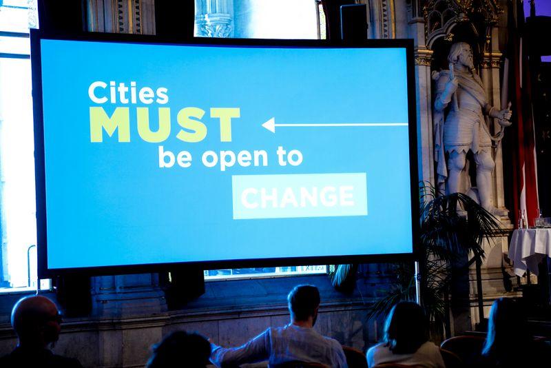 UNECE-Konferenz_-_oeffentl._Symposium_im_Rathaus__165_.jpg