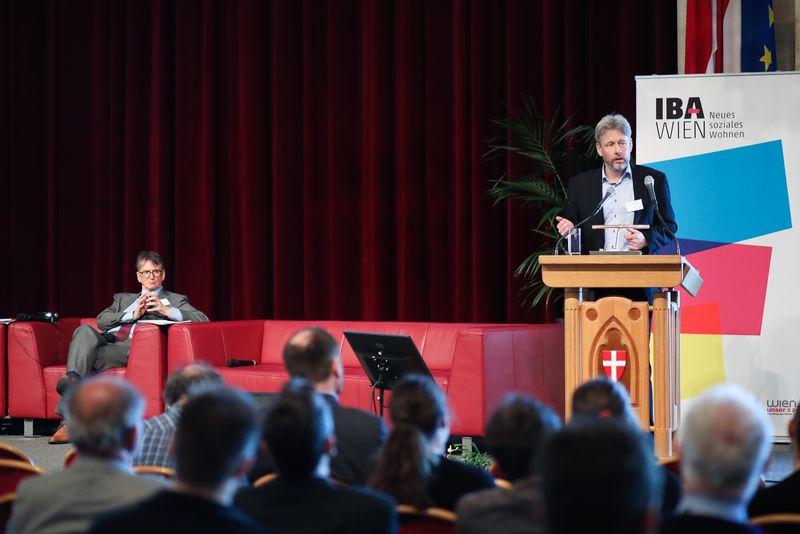 UNECE-Konferenz_-_oeffentl._Symposium_im_Rathaus__85_.jpg