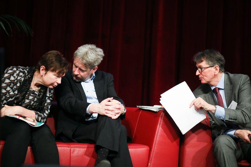 UNECE-Konferenz_-_oeffentl._Symposium_im_Rathaus__145_.jpg