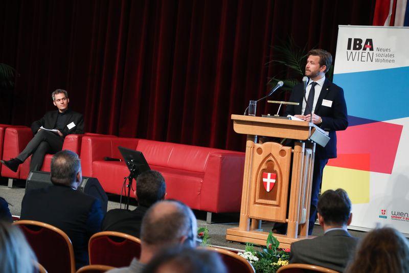 UNECE-Konferenz_-_oeffentl._Symposium_im_Rathaus__158_.jpg