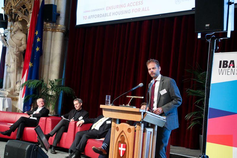 UNECE-Konferenz_-_oeffentl._Symposium_im_Rathaus__181_.jpg