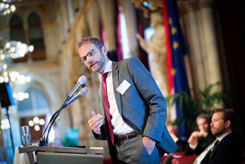 UNECE-Konferenz_-_oeffentl._Symposium_im_Rathaus__186_.jpg