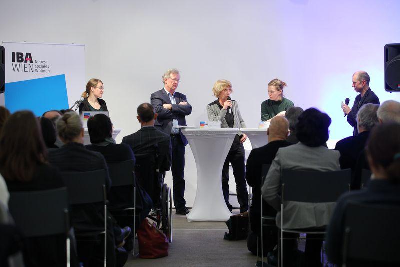 """IBA-Talk """"Schafft Wohnbau Quartiere?"""" - Podium"""