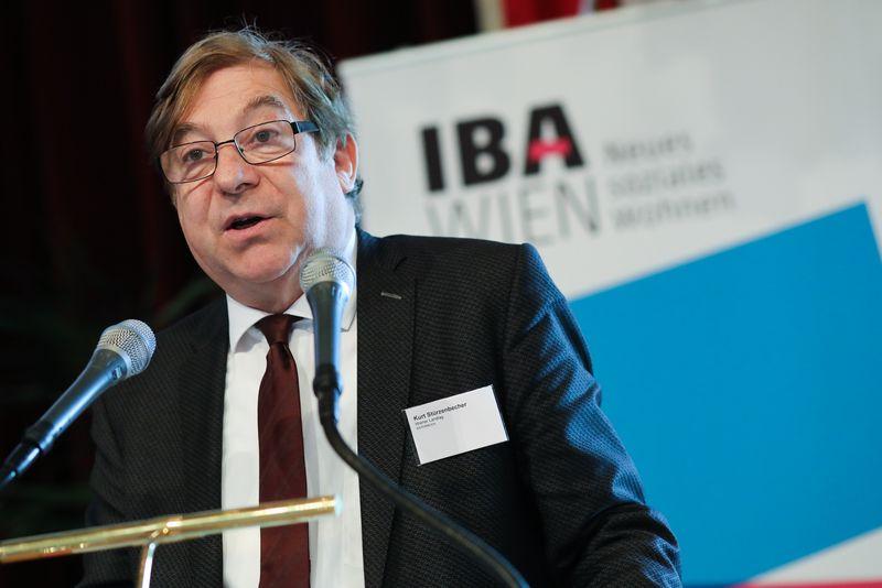 UNECE-Konferenz_-_oeffentl._Symposium_im_Rathaus__16_.jpg