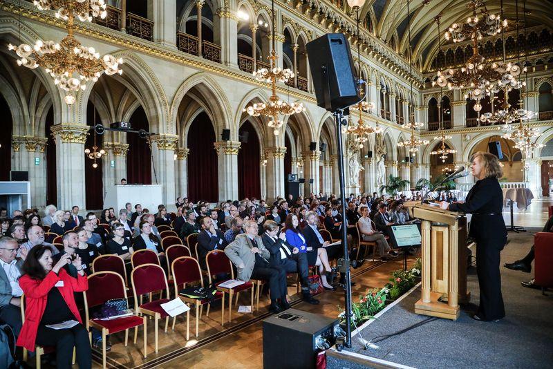 UNECE-Konferenz_-_oeffentl._Symposium_im_Rathaus__28_.jpg