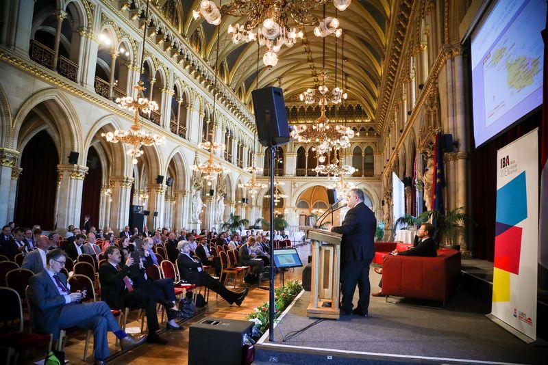 UNECE-Konferenz_-_oeffentl._Symposium_im_Rathaus__170_.jpg