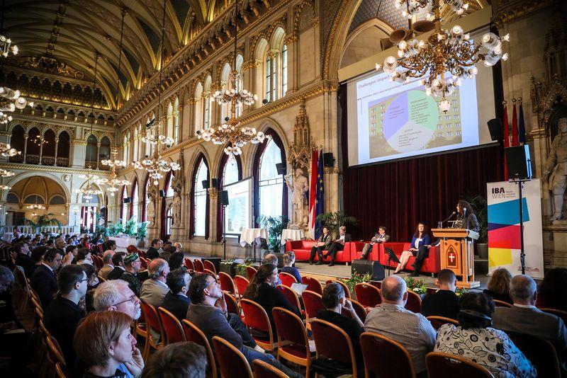 UNECE-Konferenz_-_oeffentl._Symposium_im_Rathaus__131_.jpg