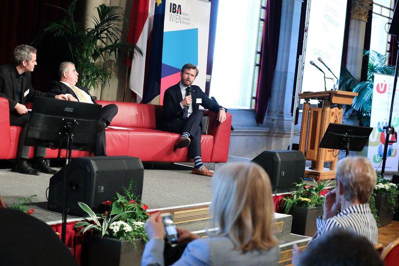 UNECE-Konferenz_-_oeffentl._Symposium_im_Rathaus__201_.jpg