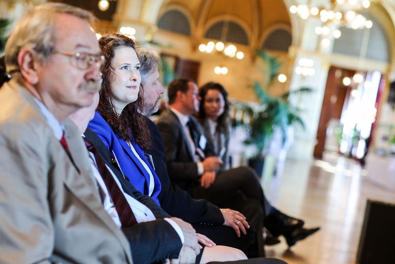 UNECE-Konferenz_-_oeffentl._Symposium_im_Rathaus__59_.jpg