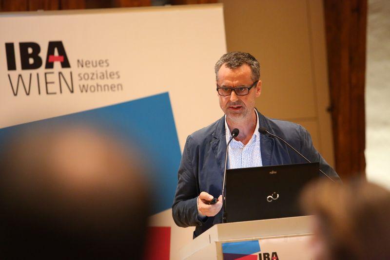 Bernd Vlay von STUDIO VLAY präsentiert das Projekt Mischung: Possible!