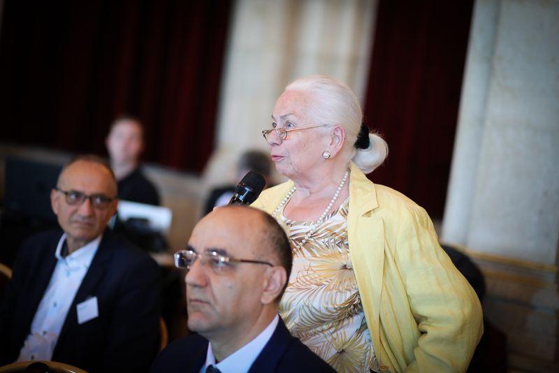 UNECE-Konferenz_-_oeffentl._Symposium_im_Rathaus__97_.jpg