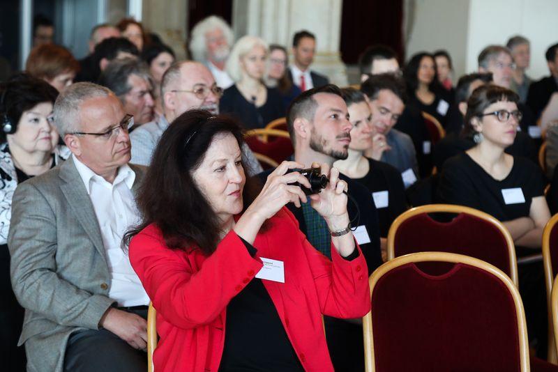 UNECE-Konferenz_-_oeffentl._Symposium_im_Rathaus__29_.jpg