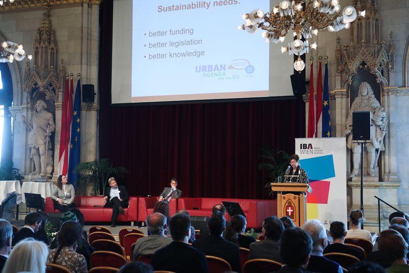 UNECE-Konferenz_-_oeffentl._Symposium_im_Rathaus__71_.jpg