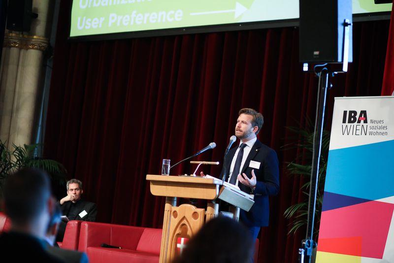 UNECE-Konferenz_-_oeffentl._Symposium_im_Rathaus__161_.jpg