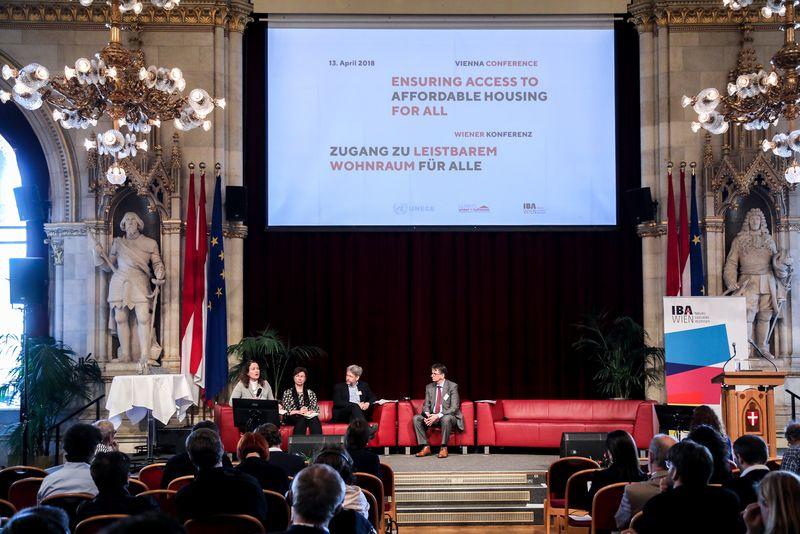 UNECE-Konferenz_-_oeffentl._Symposium_im_Rathaus__105_.jpg