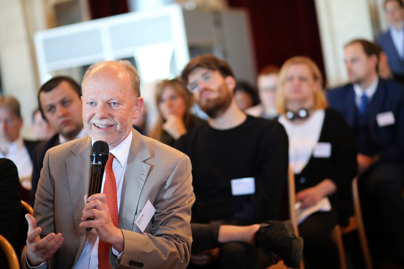 UNECE-Konferenz_-_oeffentl._Symposium_im_Rathaus__142_.jpg