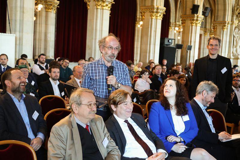 UNECE-Konferenz_-_oeffentl._Symposium_im_Rathaus__40_.jpg