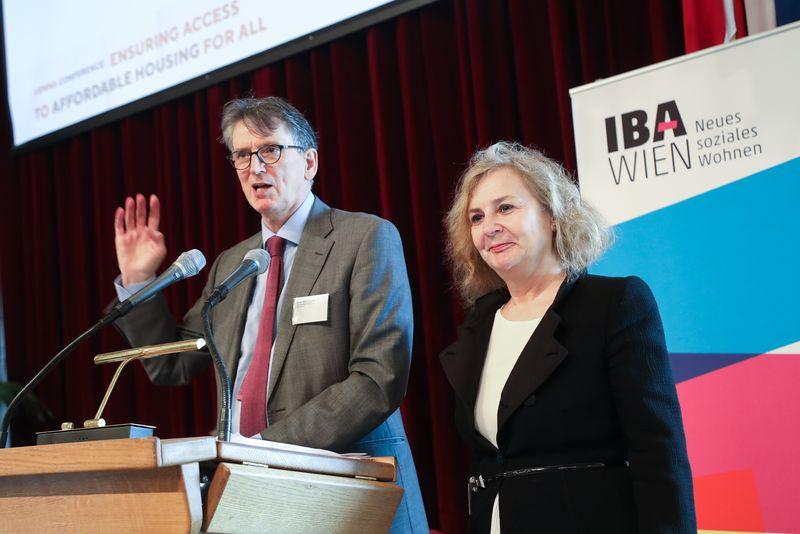 UNECE-Konferenz_-_oeffentl._Symposium_im_Rathaus__39_.jpg