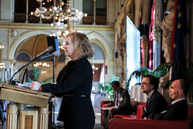 UNECE-Konferenz_-_oeffentl._Symposium_im_Rathaus__30_.jpg
