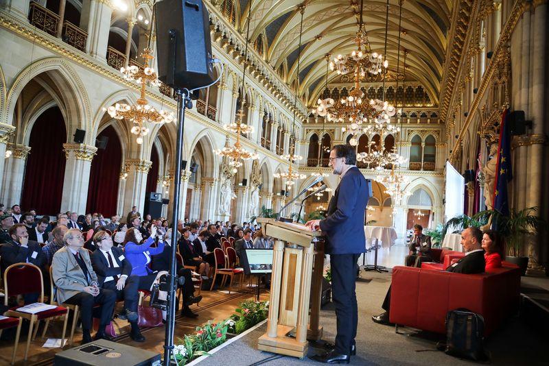 UNECE-Konferenz_-_oeffentl._Symposium_im_Rathaus__65_.jpg