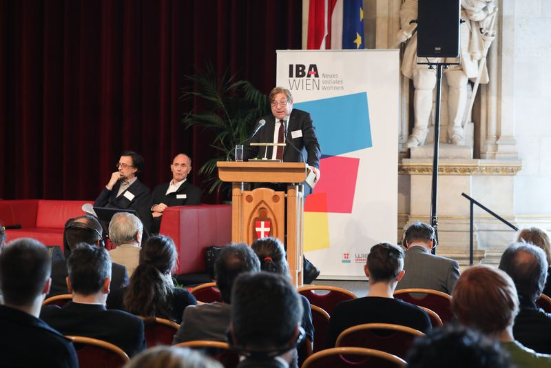 UNECE-Konferenz_-_oeffentl._Symposium_im_Rathaus__21_.jpg