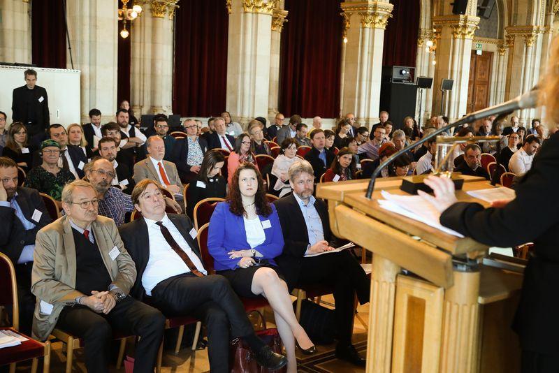 UNECE-Konferenz_-_oeffentl._Symposium_im_Rathaus__44_.jpg