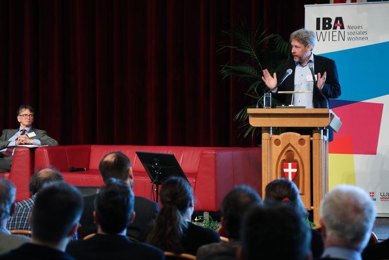 UNECE-Konferenz_-_oeffentl._Symposium_im_Rathaus__86_.jpg