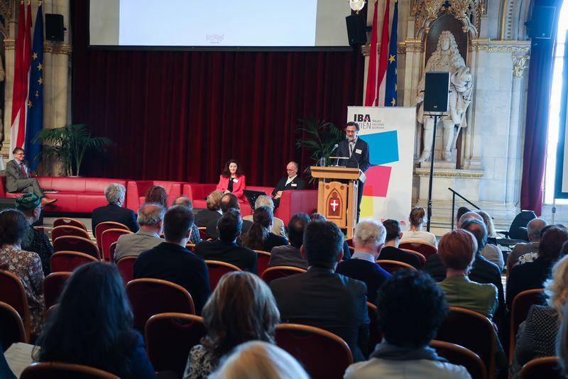 UNECE-Konferenz_-_oeffentl._Symposium_im_Rathaus__61_.jpg