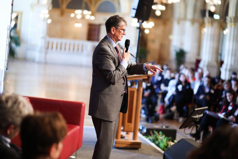 UNECE-Konferenz_-_oeffentl._Symposium_im_Rathaus__99_.jpg