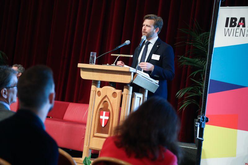 UNECE-Konferenz_-_oeffentl._Symposium_im_Rathaus__162_.jpg