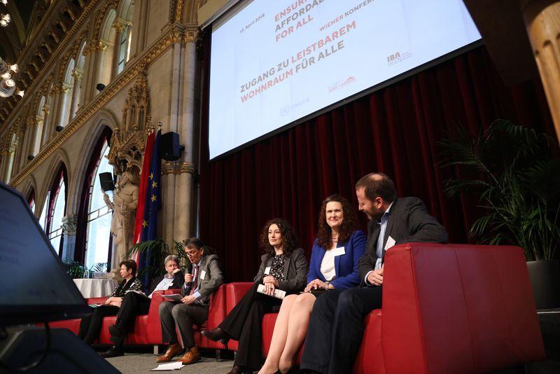 UNECE-Konferenz_-_oeffentl._Symposium_im_Rathaus__118_.jpg