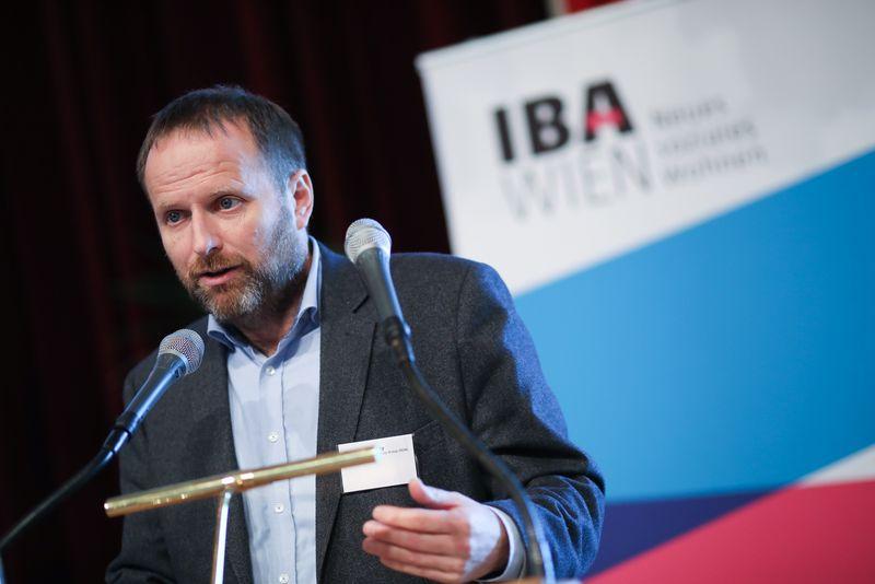 UNECE-Konferenz_-_oeffentl._Symposium_im_Rathaus__137_.jpg