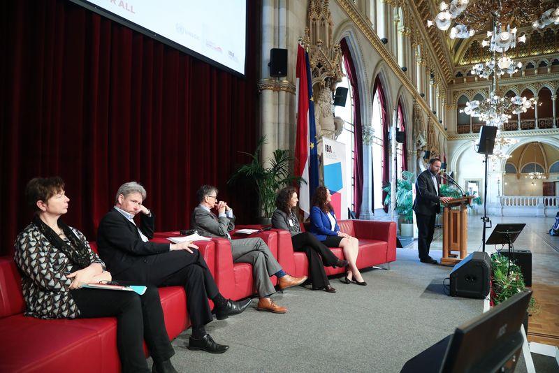 UNECE-Konferenz_-_oeffentl._Symposium_im_Rathaus__135_.jpg