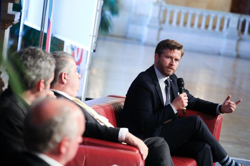 UNECE-Konferenz_-_oeffentl._Symposium_im_Rathaus__199_.jpg