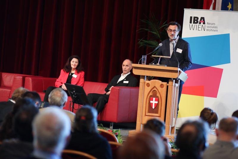 UNECE-Konferenz_-_oeffentl._Symposium_im_Rathaus__63_.jpg