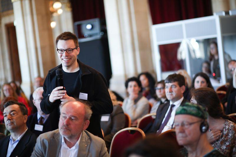 UNECE-Konferenz_-_oeffentl._Symposium_im_Rathaus__98_.jpg