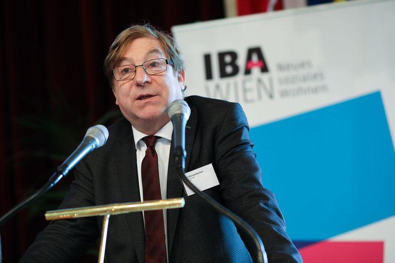 UNECE-Konferenz_-_oeffentl._Symposium_im_Rathaus__17_.jpg