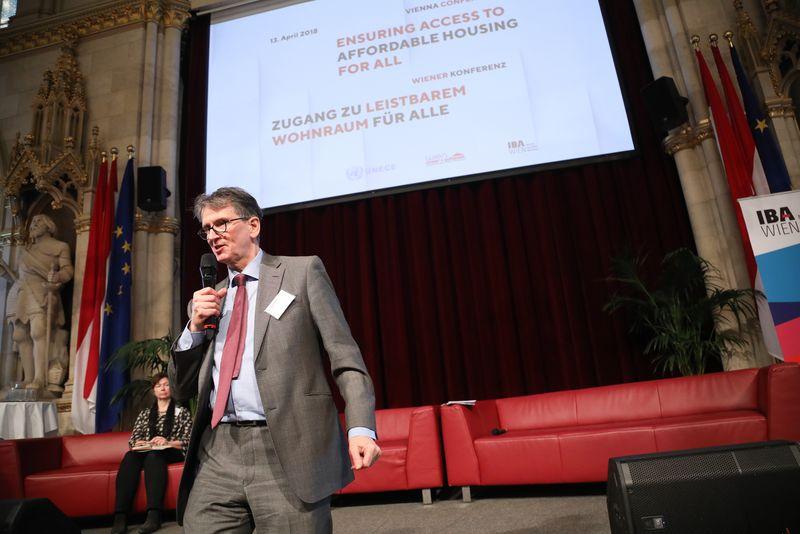 UNECE-Konferenz_-_oeffentl._Symposium_im_Rathaus__113_.jpg