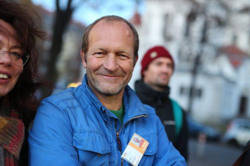 Martin Skrivanek (GB* 3/11): IBA-Talk Bestandsentwicklung und Stadterneuerung-Tour durch das Projetkgebiet von Smarter Totgether in Wien - Simmering www.smartertogether.at