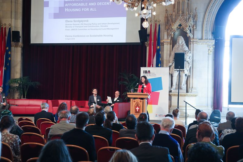 UNECE-Konferenz_-_oeffentl._Symposium_im_Rathaus__48_.jpg