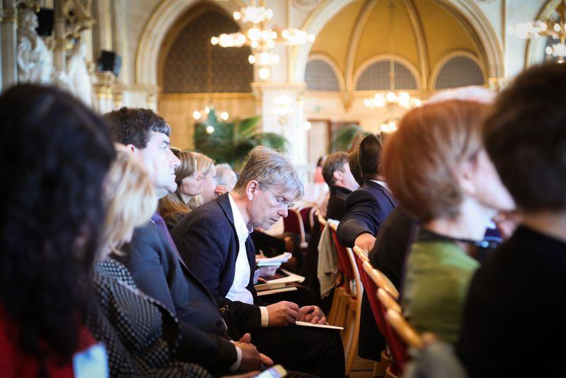 UNECE-Konferenz_-_oeffentl._Symposium_im_Rathaus__132_.jpg