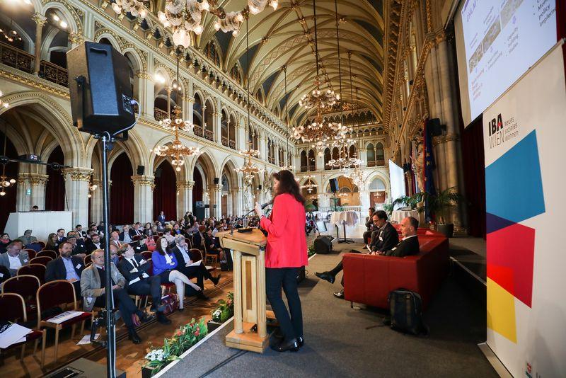 UNECE-Konferenz_-_oeffentl._Symposium_im_Rathaus__54_.jpg