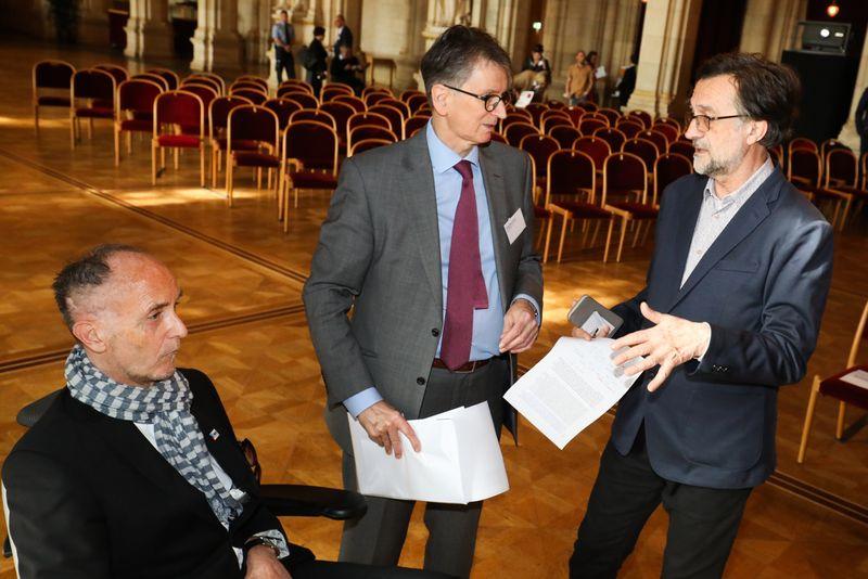 UNECE-Konferenz_-_oeffentl._Symposium_im_Rathaus__1_.jpg